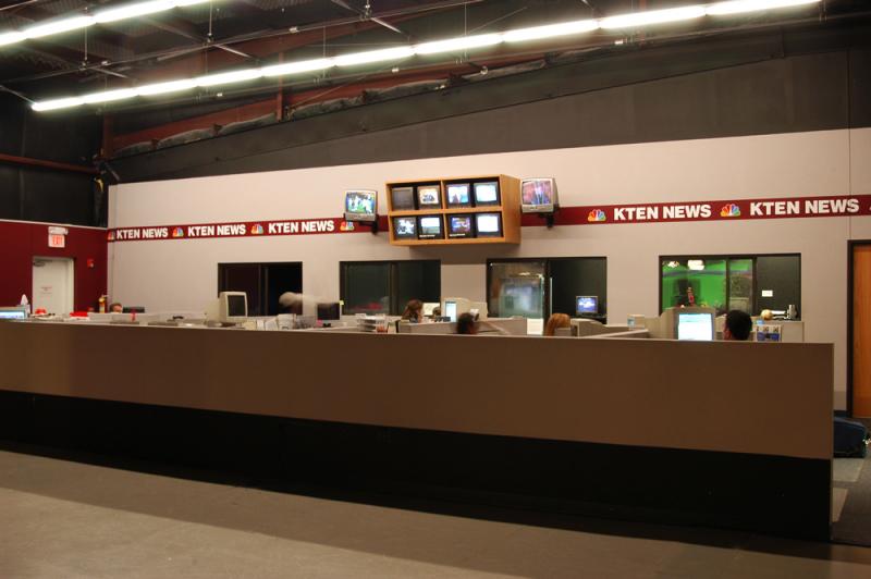 kten-news-desk-station