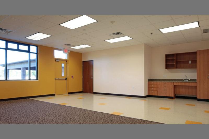 rockbrook-montesorri-classroom-yellow