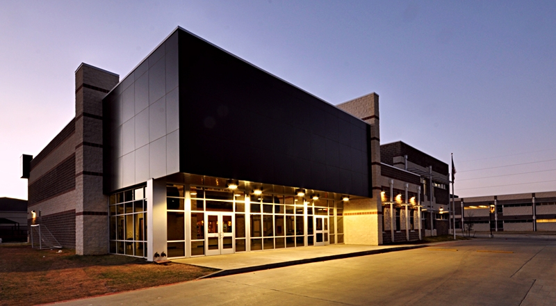 founders-classical-middle-school-exterior-front-dusk-md