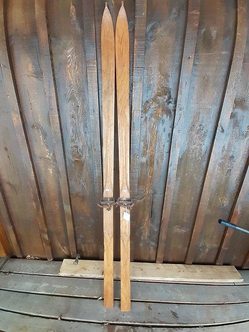 A. Gresvig Hickory Skis