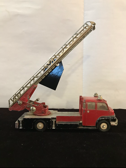 Dinky 956 Turntable Fire Engine
