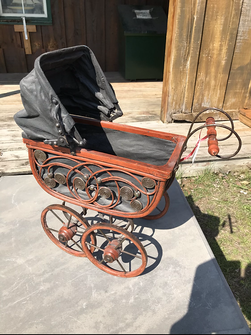 1900's Doll Carriage V25