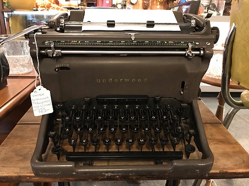 Underwood Typewriter 1950's with Cover V48
