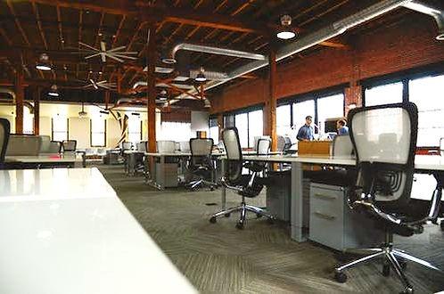 space-desk-workspace-coworking_edited.jp