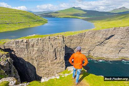 Trælanípa sørvágsvatn leitisvatn Reika Adventures Faroe Islands