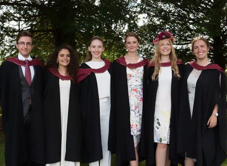 Two lab undergrad alumni receive prize at CMM graduation ceremony