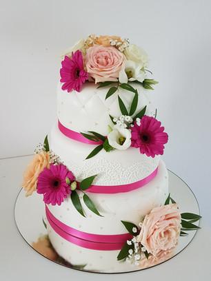 Pinke Hochzeitstorte