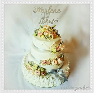 romantische Hochzeitstorte