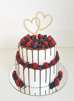 Schoko Beeren Drip Cake Hochzeit