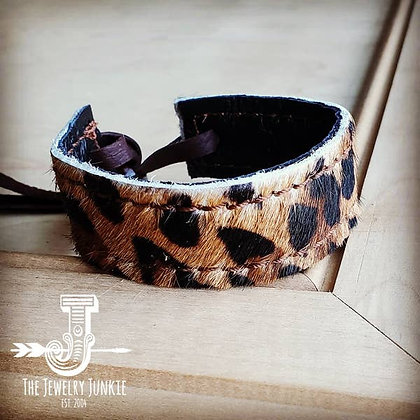 Narrow Reversible Leather Cuff in Leopard and Black