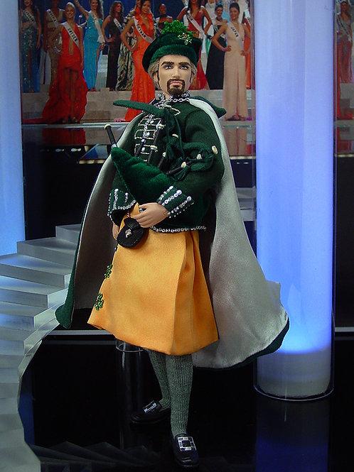 Ireland Bagpiper Ken