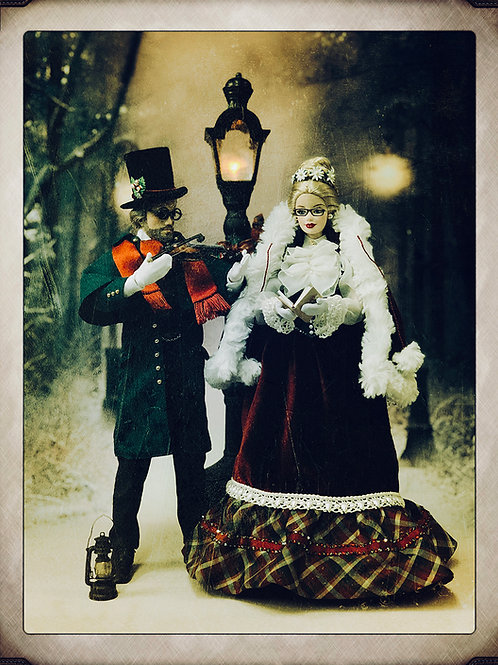 Victorian Christmas Carollers Duo