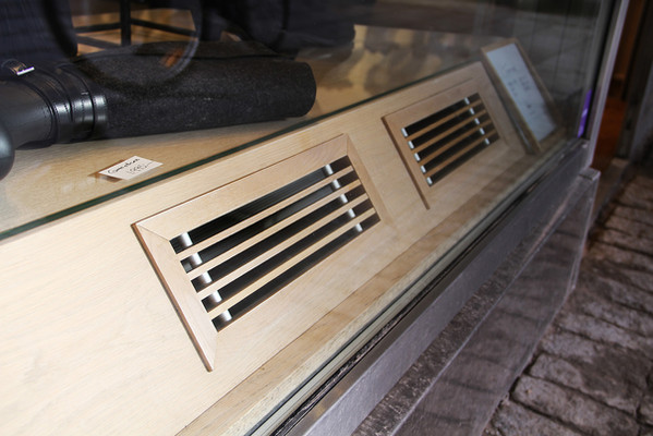 Wood grille with frame from Kungsprofiler
