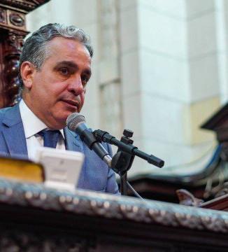 Presidente da Alerj quer suspender leilão da Cedae