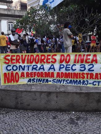 Trabalhadores do INEA presentes na manifestação contra a PEC 32