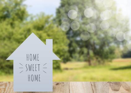 O locador pode reajustar  aluguel conforme contrato, mesmo após anos sem reajustar.