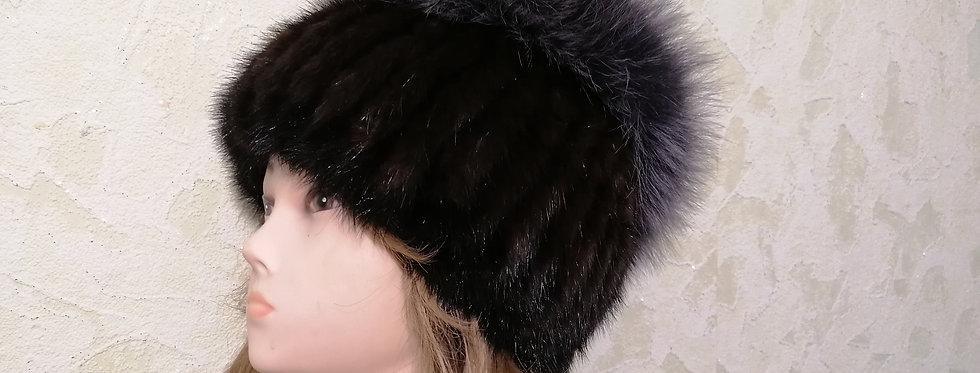 Норковая вязаная шапка.