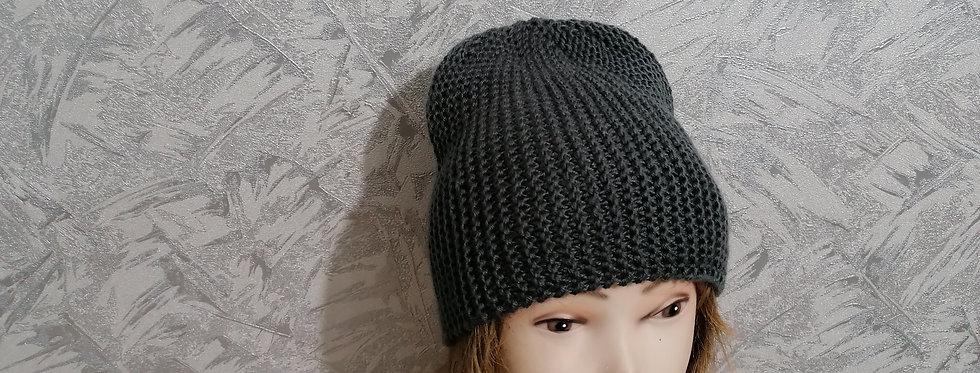 Вязаная шапка БИНИ. Универсальная весенняя шапка.