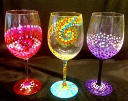 dots wine glass
