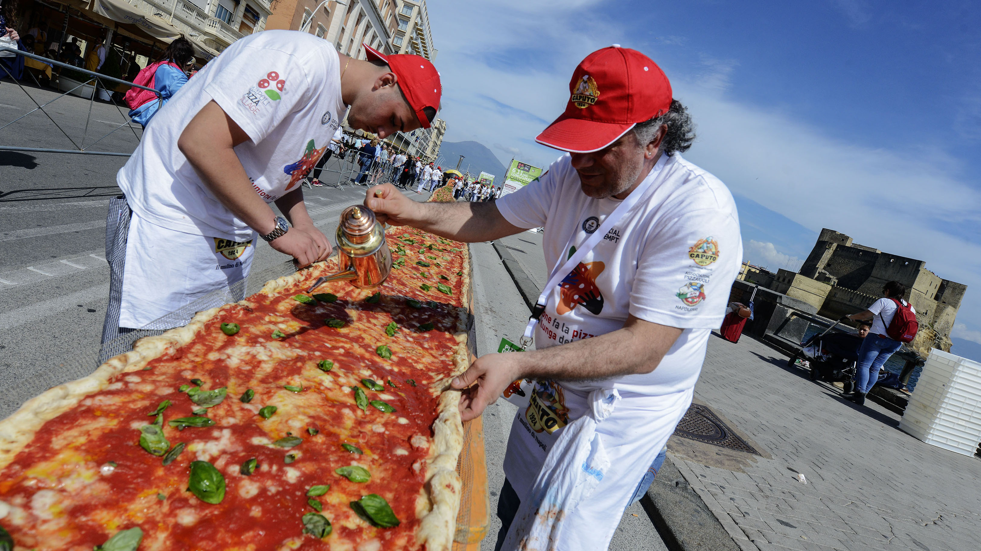 Longest Pizza in Naples