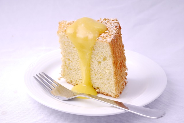 Lemon curd with chiffon cake