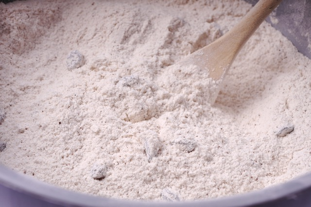 Mixed dry ingredients for gingerbread cake