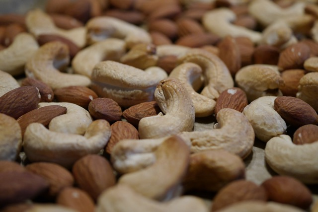 Almond and cashew roasted 2