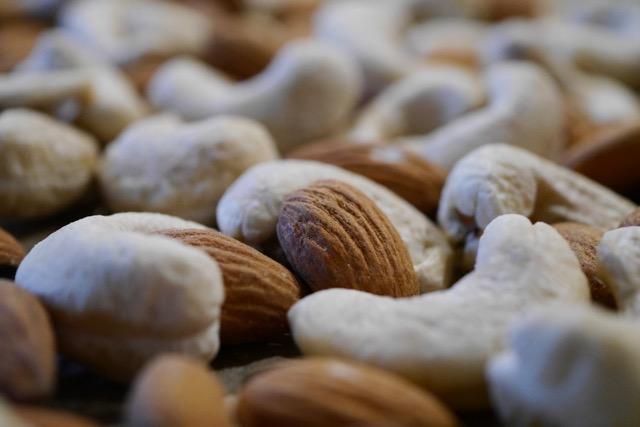 Almond and cashew raw 2