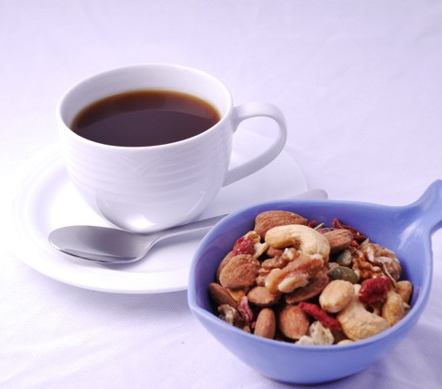 Healthy snack: mixed nuts