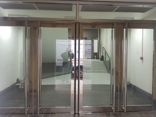Mirror polished doors