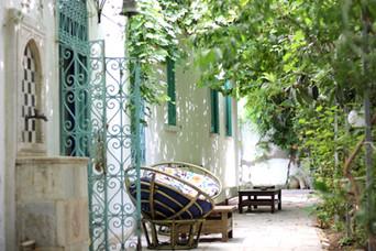 Quiet corners in the terrace