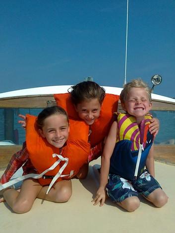 Girls on deck Mary Lloyd.jpg