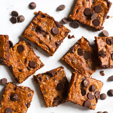 8 Ingredient Flourless Chocolate Chip Oatmeal Bars