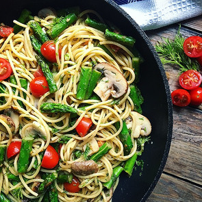 Pasta with Asparagus Tomatoes & Dill