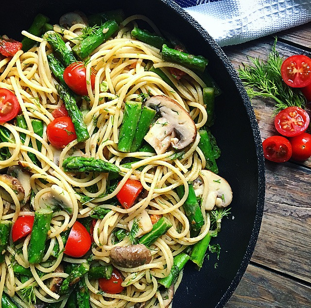 Pasta with Asparagus & Dill
