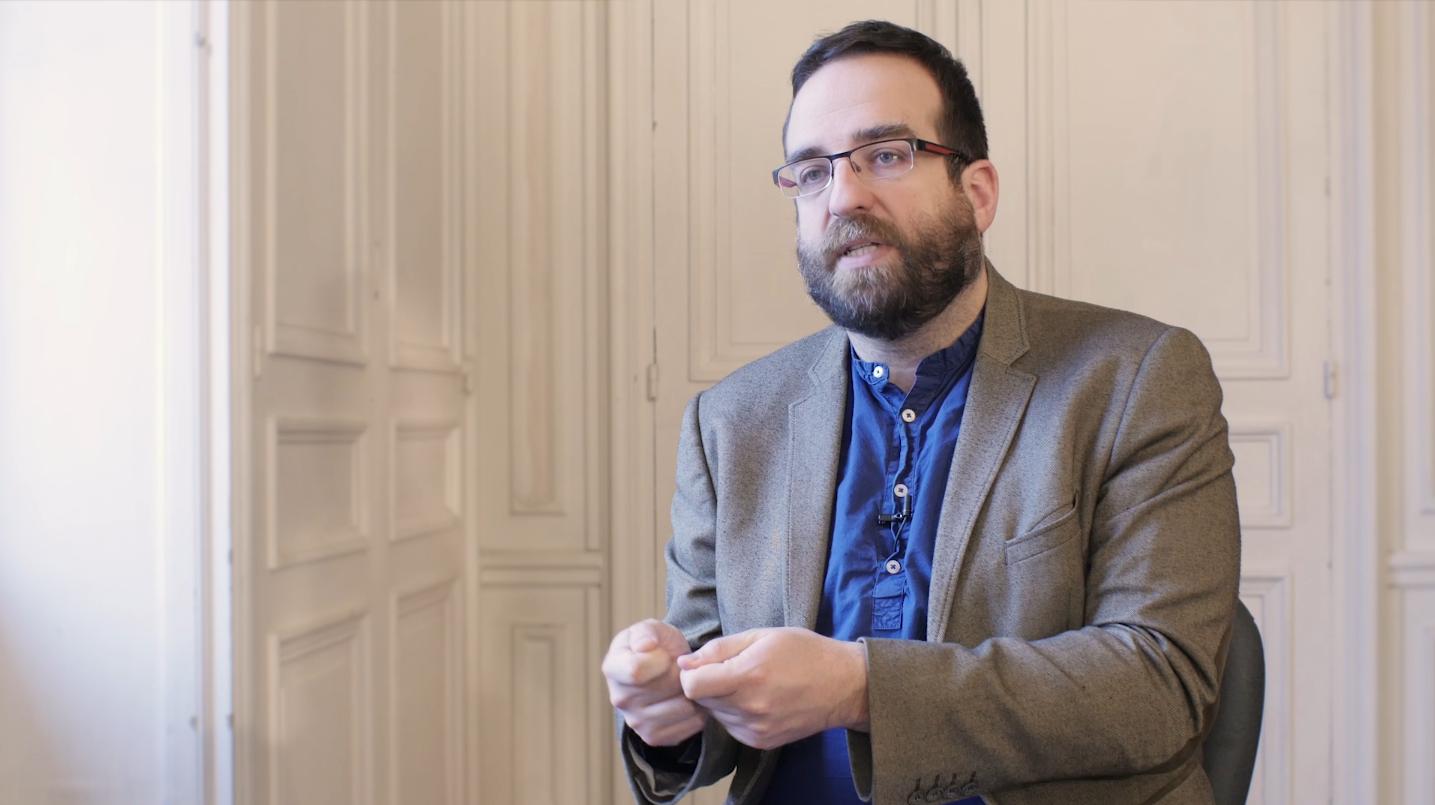 """""""Le smartphone"""" par Albin Wagener - Docteur (HDR) en sciences du langage."""