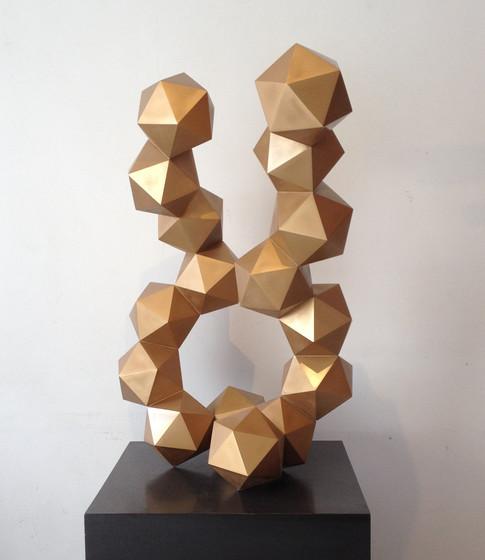 escultura oro.jpg