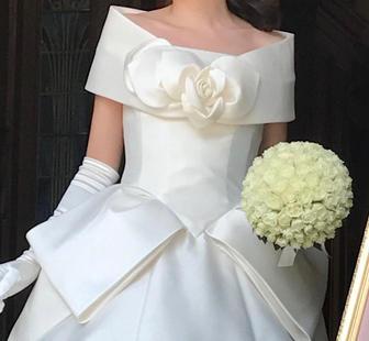 ・Dress:Emarie