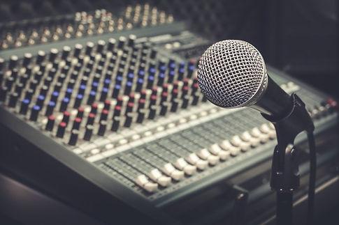 microphone-mixer_1921-180.jpg