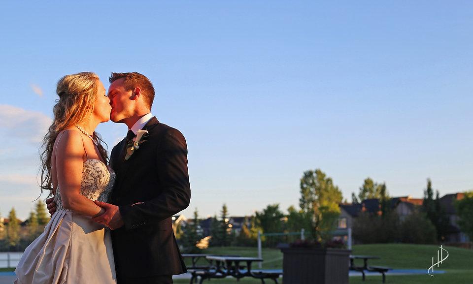 calgary wedding photo.jpg