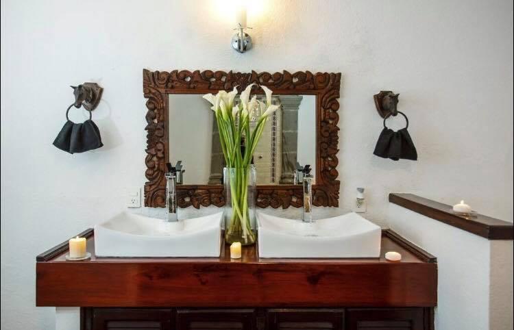 toilette villa .jpg
