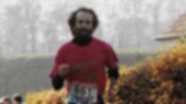 Fokusiert beim Lauf