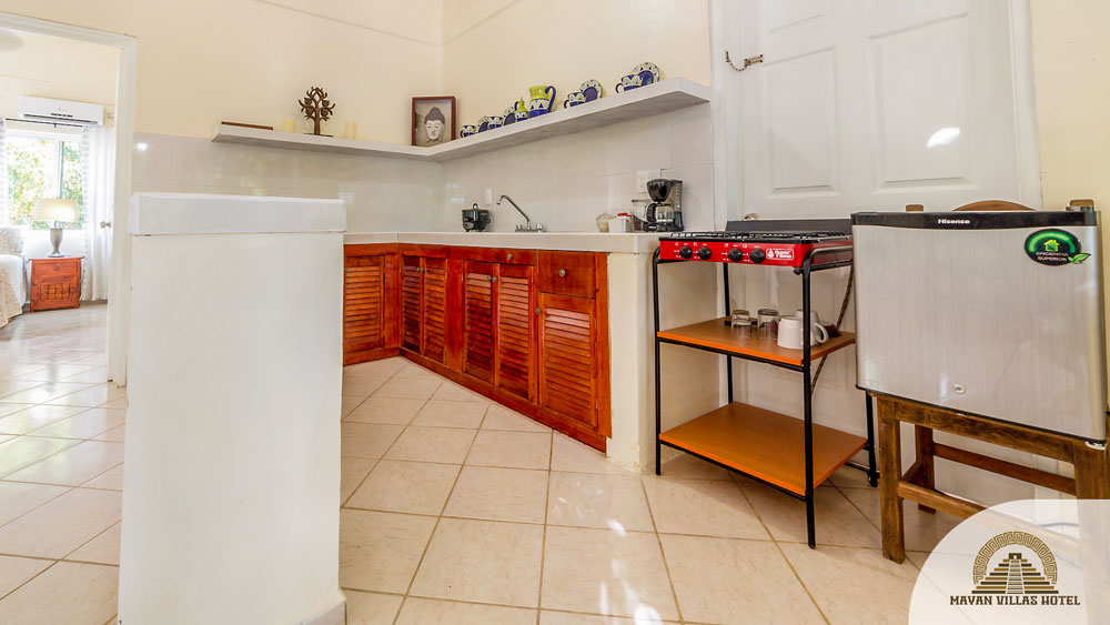 Bamboo Suite: Kitchen