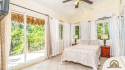 Bamboo Suite: Bedroom 1