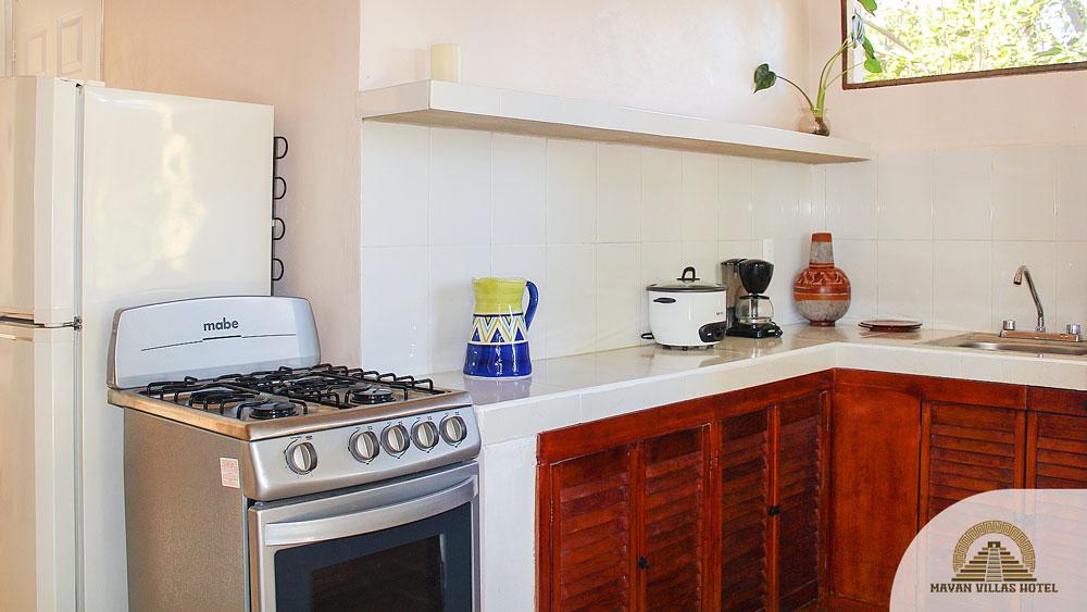 Mayan Villa: Kitchen