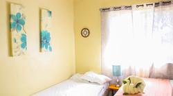 holbox-bedroom-2beds-window