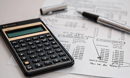 Como um protético deve calcular o preço de seus serviços?