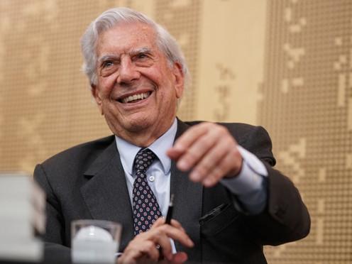 Reflexiones periodísticas en torno a Cinco esquinas, de Mario Vargas Llosa