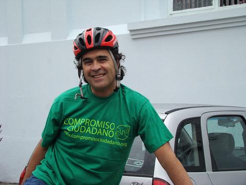 """""""Estoy aquí por la educación"""": Sergio Fajardo"""