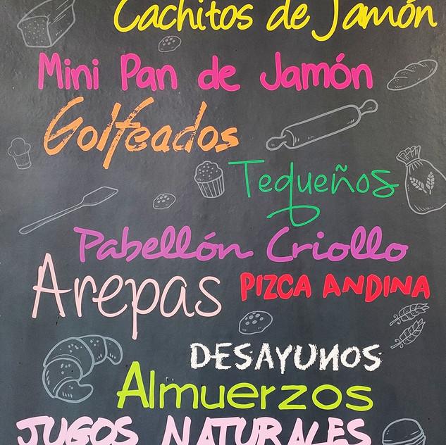 Afiche de la Panadería El Avila en donde se muestran todos los productos principales que venden en la panadería